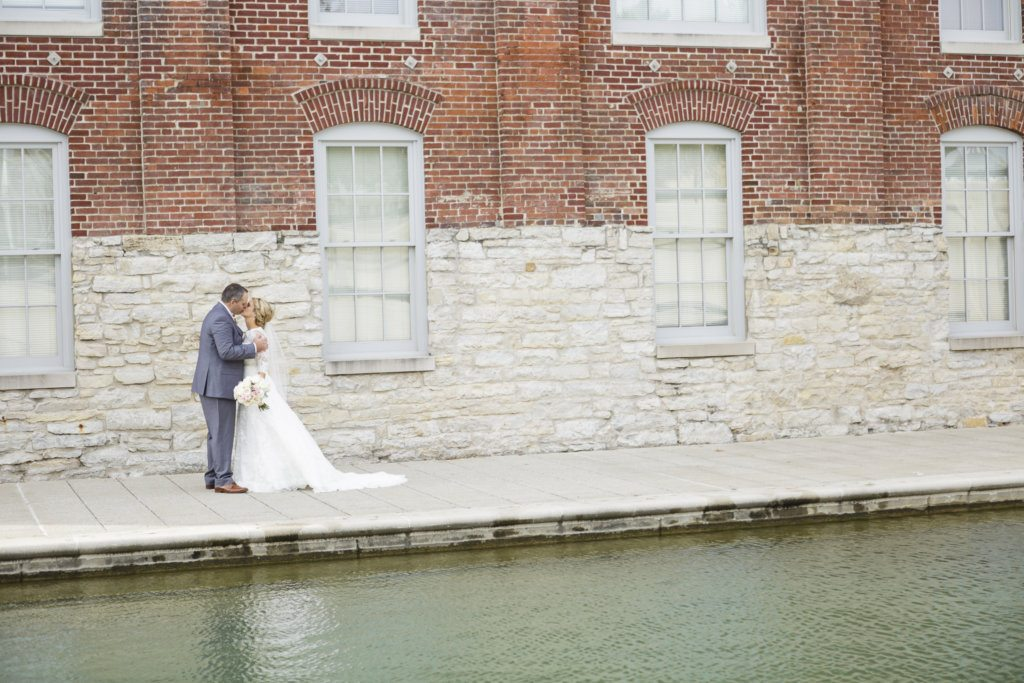 bride and groom Indianapolis canal