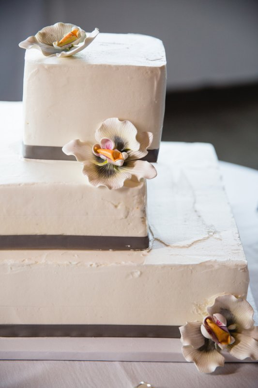 wedding cake with orchid