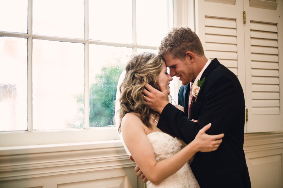 Even A Hurricane Could Not Stop These Two From Tying The Knot