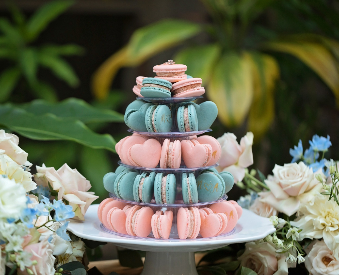 heart shaped macaroons