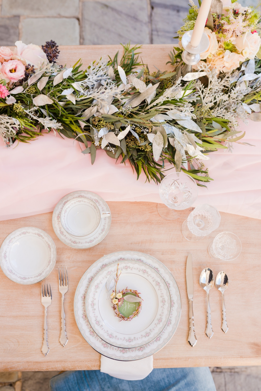 pastel table decor inspso