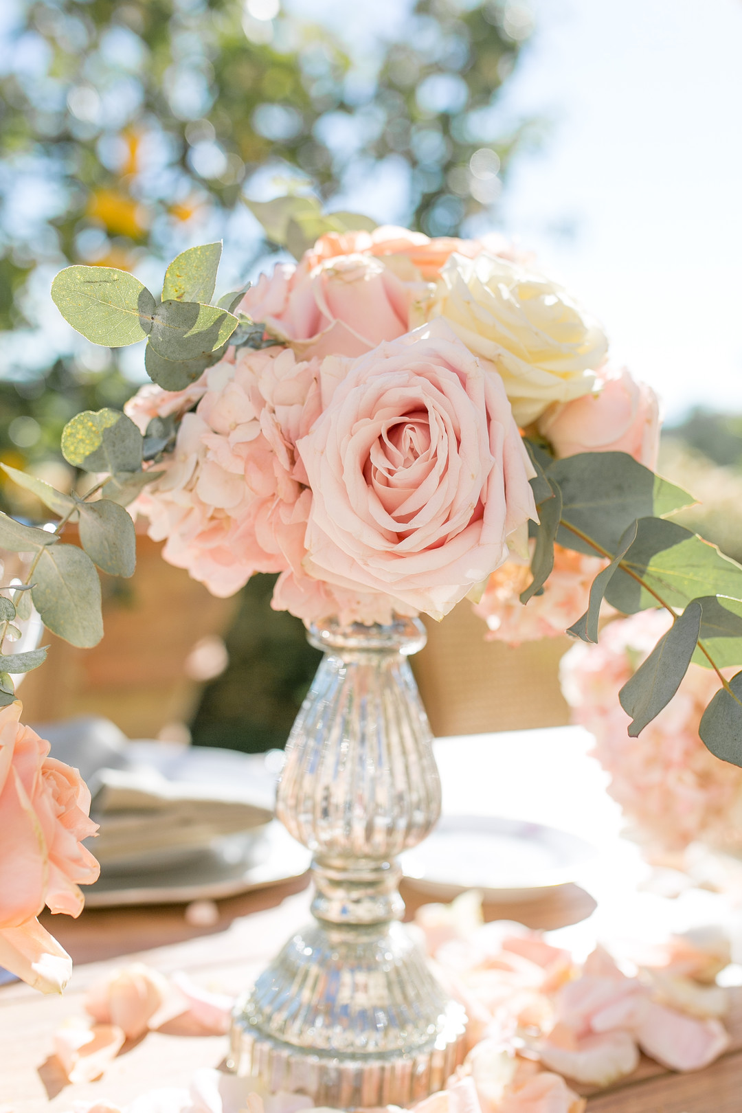 pink, blush, peach and light yellow rose centerpieces