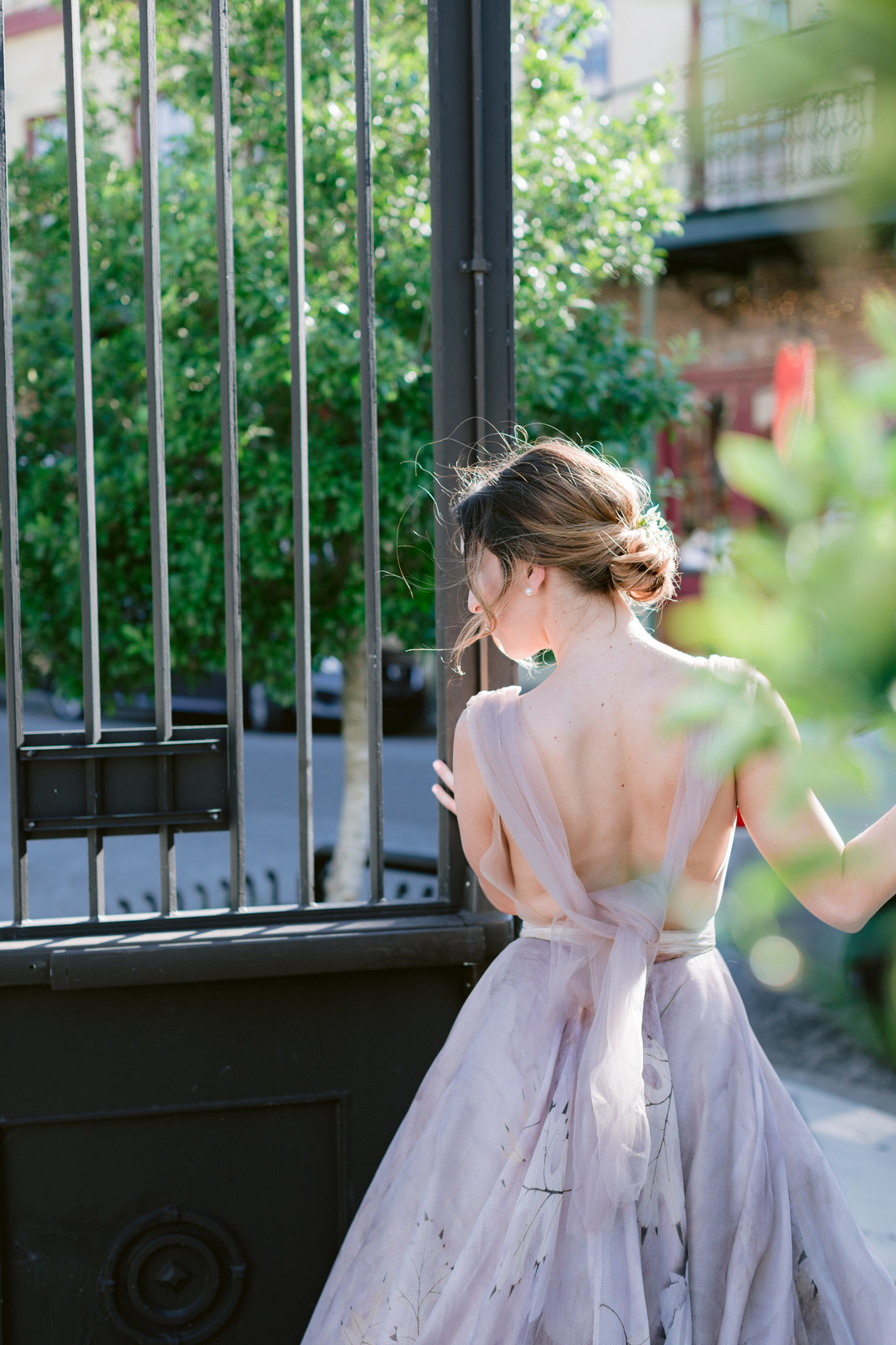 Il Mercato Wedding, New Orleans Wedding, Magazine Street Wedding, plunging back wedding dress, colorful wedding dress
