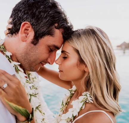 Wedded couple in Bora Bora