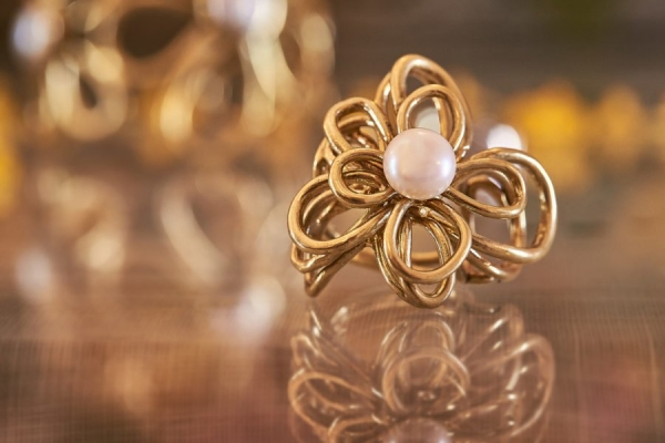 Gold wired pearl jewelry from Italy