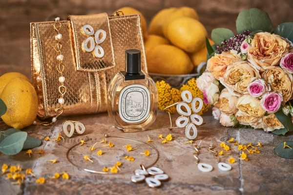 italian wedding accessories at a puglia wedding