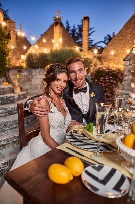 sweetheart table decorated with lemons