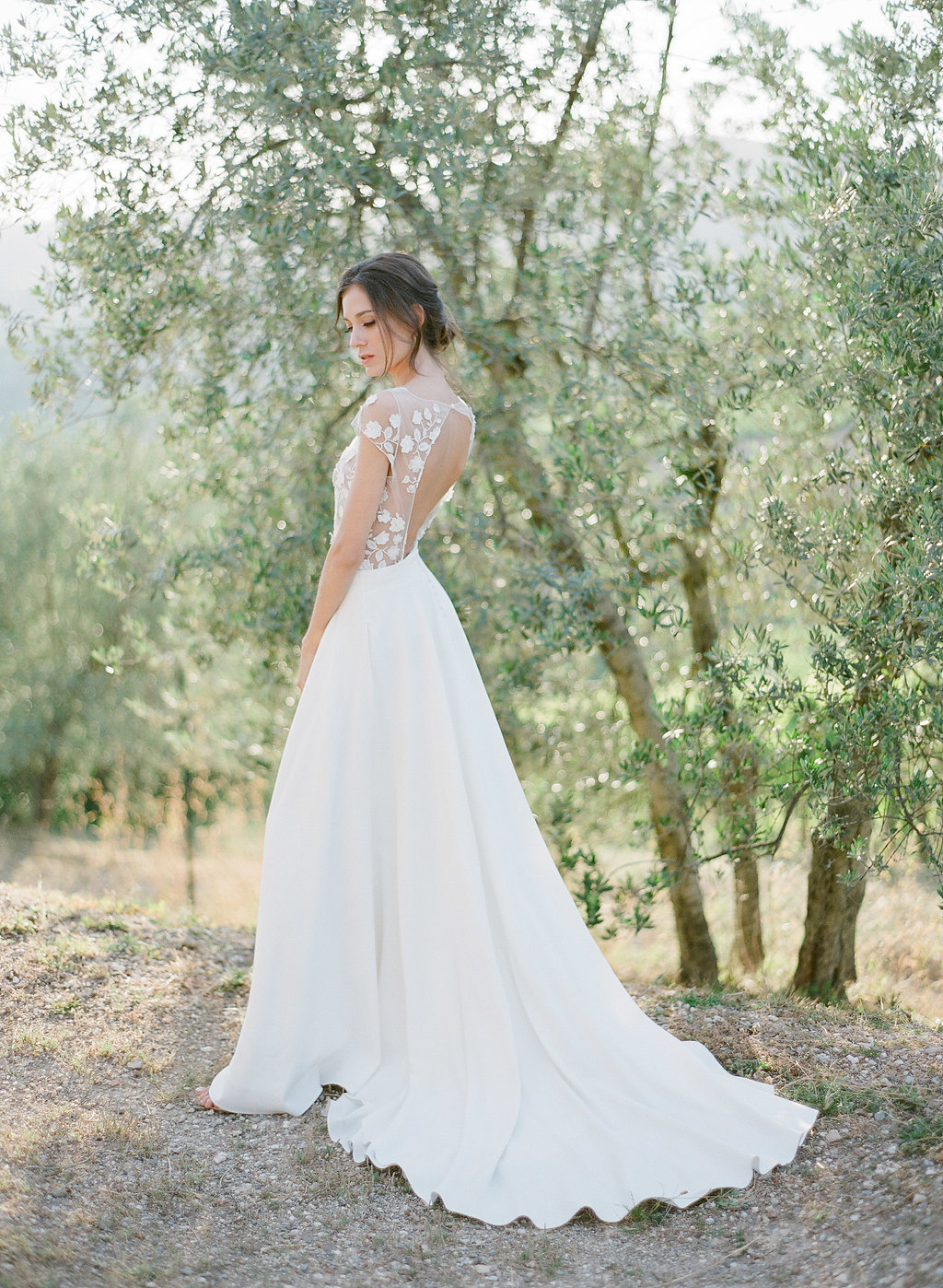 bridal portraits in a tuscan vineyard
