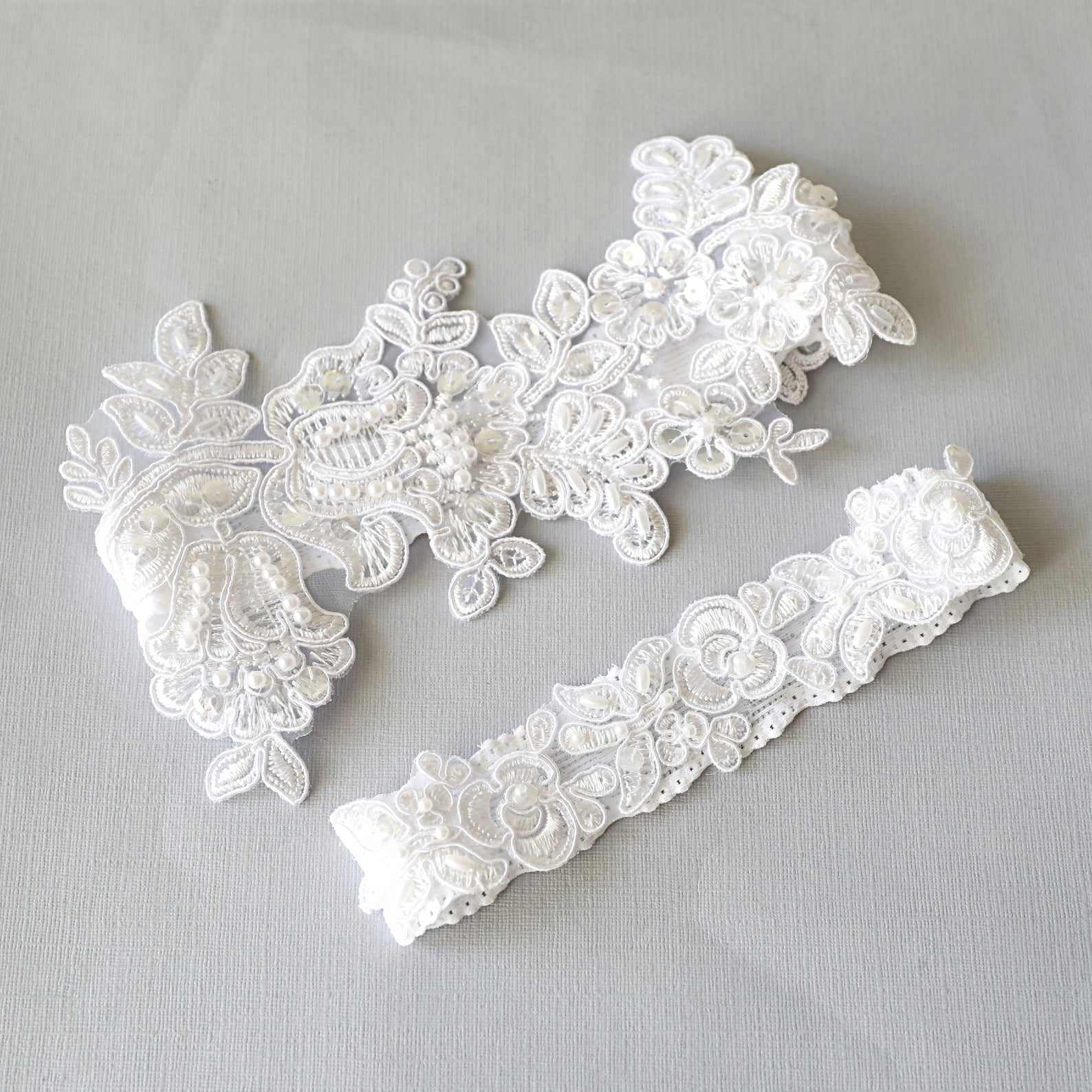 pearl and lace garter set