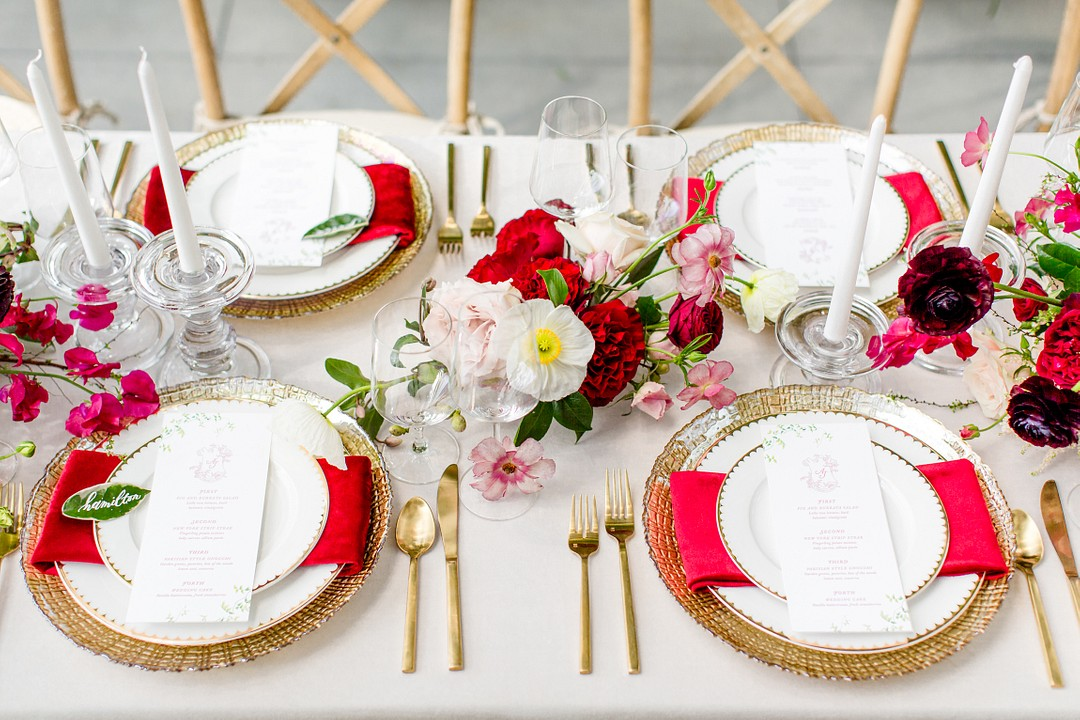 red table decor ideas