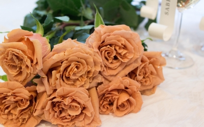 Toffee Roses – The Perfect Vintage Wedding Flower