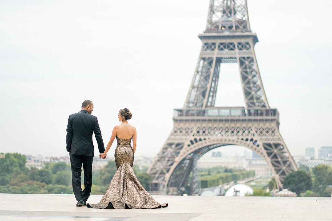 French elopement in front of Eiffel tower