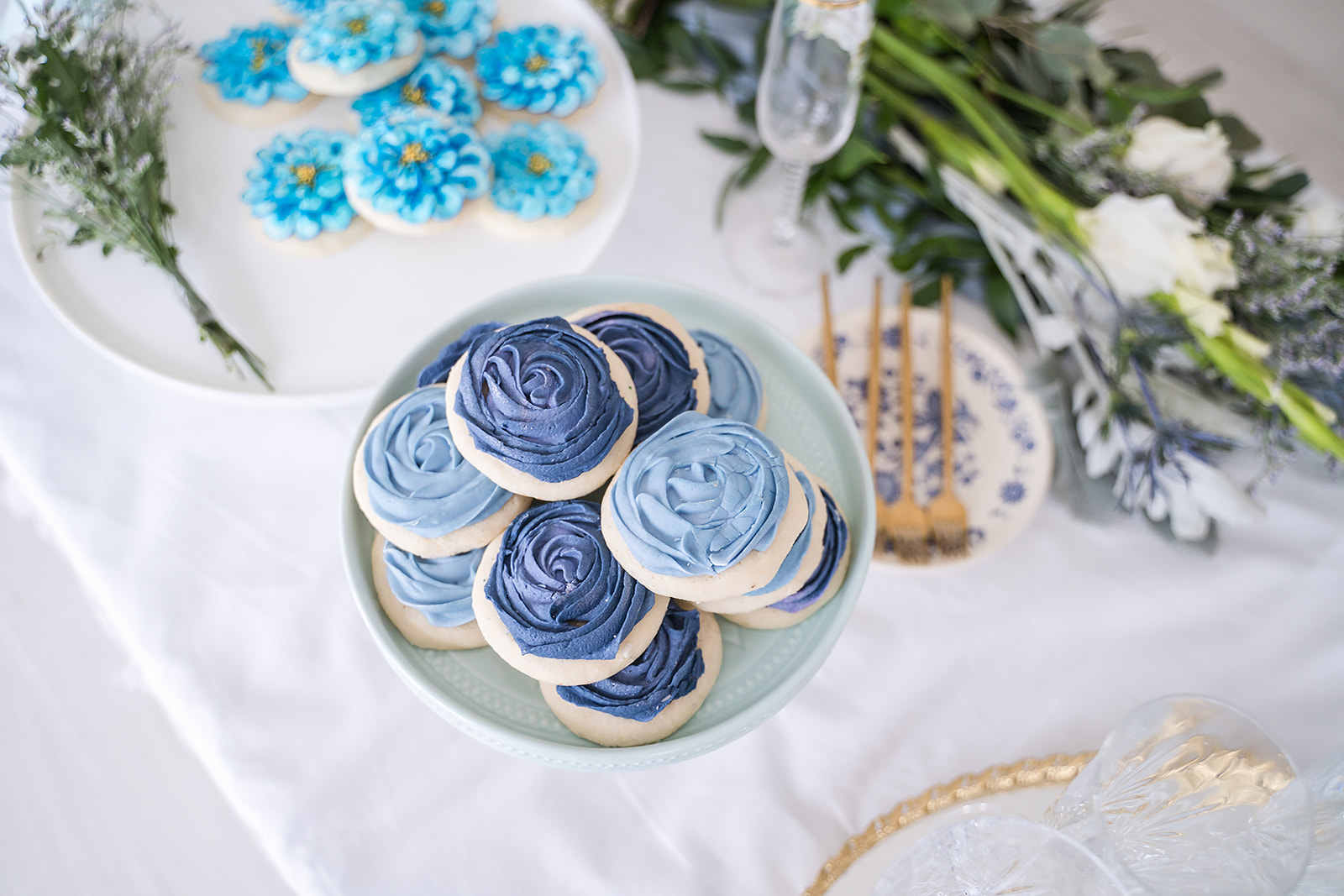 light blue and dark blue rosette sugar cookies