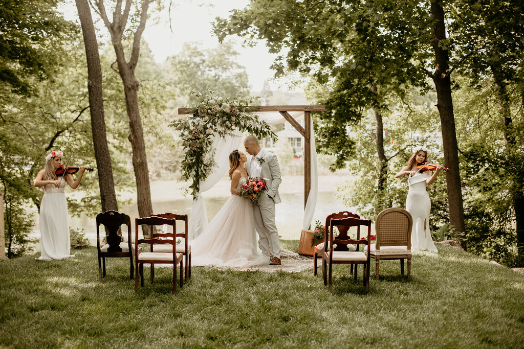 When Sarah, owner of Brehant Creations Events began planning and designing this styled shoot she wanted to create a chic elopement that was anything but classic