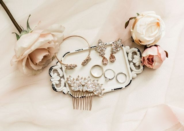 ✨FEATURED✨⁠ ⁠ Wait till you see the stunning wedding that went with this gorgeous jewelry.⁠ ⁠ Check out the link in our bio for all the glam!⁠ ⁠ DRESS: @bridalbeginning⁠ VIDEOGRAPHER: @jeremyscottfilms⁠ CAKE: LINCOLN BAKERY⁠ FLORIST: FORGET ME NOT FLOWERS⁠ STATIONARY: INVITATIONS PLUS⁠ OFFICIANT: RONALD CAMBEST⁠ DJ: DJ ANTHONY MOLINARO AND VIOLINIST SARAH GARIN WITH STEVEN VANCE ENTERTAINMENT⁠ HAIR: @simply.captivating.pgh_hair⁠ MAKE UP: @shannoncolemakeup⁠ TUX: MEN'S WEARHOUSE⁠ BRIDESMAID'S DRESSES: KLEINFELD BRIDAL PARTY⁠ ⁠